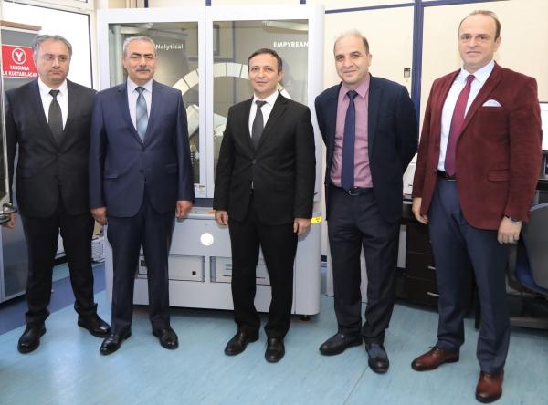 Erciyes Universitesi Nde Arastirmacilara Yeni Cihaz Destegi Kayseri Deniz Postasi